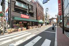 駅からシェアハウスへ向かうのには商店街を通ります。(2014-05-20,共用部,ENVIRONMENT,1F)