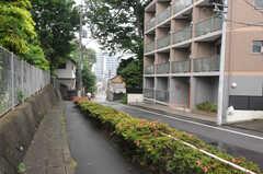 駅からシェアハウスへ向かう道の様子。(2012-05-25,共用部,ENVIRONMENT,1F)