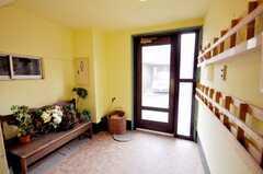 内部から見た正面玄関の様子。(2009-02-25,周辺環境,ENTRANCE,1F)