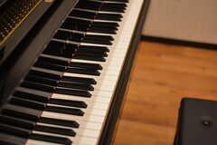グランドピアノはYAMAHA製。(2018-10-09,共用部,OTHER,1F)