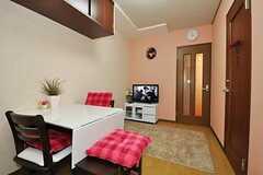 シェアハウスのリビングの様子2。(504号室)(2010-10-12,共用部,LIVINGROOM,4F)