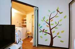 カーテンを開けるとこんな感じ。(302号室)(2012-06-26,共用部,OTHER,3F)