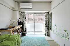 専有部の様子。掃き出し窓からベランダに出られます。(3021号室)(2012-06-26,専有部,ROOM,3F)
