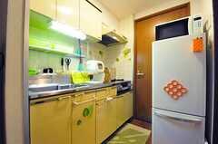 廊下にあるキッチンの様子。(601号室)(2012-06-26,共用部,KITCHEN,6F)