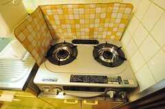 ガスコンロは2口です。(601号室)(2012-06-26,共用部,KITCHEN,6F)