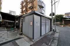 マンションの自転車置場の様子。 (2012-06-26,共用部,OTHER,1F)
