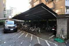 マンションの自転車置場の様子。 (2012-06-26,共用部,GARAGE,1F)