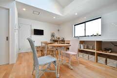 白を貴重とした、爽やかな空間です。(2019-04-23,共用部,LIVINGROOM,2F)