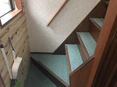階段の様子。 ※事業者様提供素材(2017-07-04,共用部,OTHER,1F)