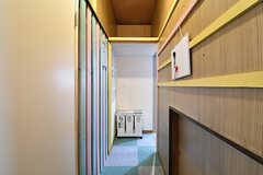 突き当たり右手がキッチンです。(2016-12-20,共用部,LIVINGROOM,1F)