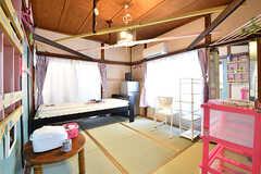 専有部の様子。全室、天井にはカラフルな板が渡してあります。(102号室)(2016-12-20,専有部,ROOM,1F)
