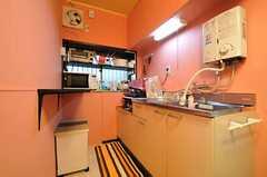 キッチンの様子。(2014-01-07,共用部,KITCHEN,1F)
