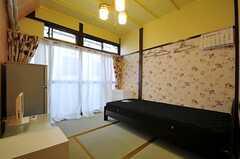 専有部の様子。掃出窓からは縁側に出られます。(101号室)(2014-01-07,専有部,ROOM,1F)