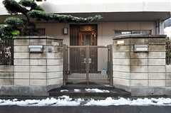 正面玄関の様子。(2013-01-17,周辺環境,ENTRANCE,1F)