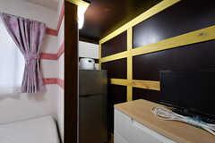 冷蔵庫、炊飯器も備え付けです。(2011号室)(2020-06-15,専有部,ROOM,2F)