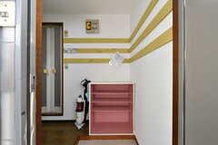 玄関から見た内部の様子。共用部は3Fになります。(2020-06-15,周辺環境,ENTRANCE,3F)