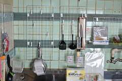 調理器具類は引っ掛けて保管します。(2019-10-01,共用部,KITCHEN,4F)