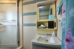脱衣室に設置された洗面台の様子。(2019-10-01,共用部,WASHSTAND,4F)