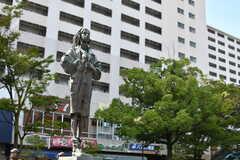 都営三田線・高島平駅前の銅像。(2019-10-01,共用部,ENVIRONMENT,1F)