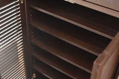 靴箱の様子。靴箱は専有部ごとにスペースが決められています。(2018-02-15,周辺環境,ENTRANCE,1F)