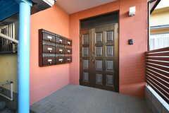 玄関ドアの様子。(2020-12-21,周辺環境,ENTRANCE,1F)