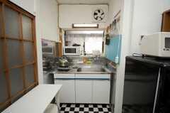 シェアハウスのキッチンの様子2。(2008-09-15,共用部,KITCHEN,1F)
