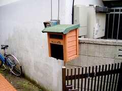 玄関脇の郵便ポスト(2006-06-15,共用部,OTHER,1F)