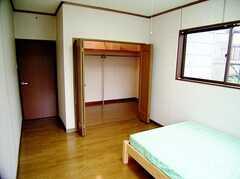 専有部の様子2。(202号室)。ウォークイン・クローゼット付き。(2006-06-15,専有部,ROOM,1F)