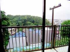専有部の様子4。(202号室)。ベランダからの眺望。(2006-06-15,専有部,ROOM,1F)