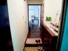 玄関から見た内部の様子。(2006-06-15,周辺環境,ENTRANCE,1F)