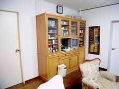 ラウンジに設置されたTV(2006-06-15,共用部,TV,1F)