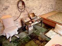ラウンジに設置されたPC(2006-06-11,共用部,PC,1F)