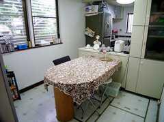 キッチン脇の食事テーブル(2006-06-11,共用部,KITCHEN,1F)