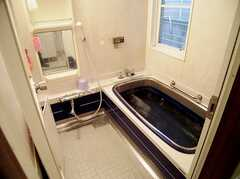 24時間利用可能なバスルームの様子。(2006-06-11,共用部,BATH,1F)