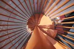 屋上からみた螺旋階段の様子。(2010-04-30,共用部,OTHER,4F)