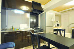 キッチンの様子。(2012-10-26,共用部,KITCHEN,2F)