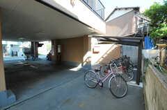 駐輪場の様子。(2012-10-26,共用部,GARAGE,1F)
