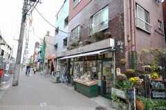 京成線堀切菖蒲園駅前の商店。(2009-03-31,共用部,ENVIRONMENT,1F)