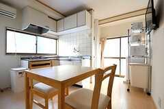 ダイニングはキッチンと一体型です。(2013-09-19,共用部,LIVINGROOM,1F)