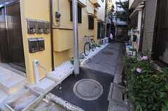 自転車置き場の様子。(2013-09-19,共用部,GARAGE,1F)