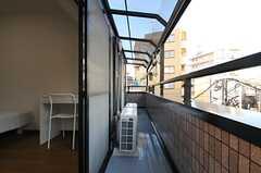 302号室とベランダは共用です。(303号室)(2013-12-25,専有部,ROOM,3F)