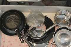調理器具は引き出しの中に収納されています。(2015-06-30,共用部,KITCHEN,4F)