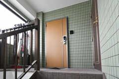 玄関の様子。3階は女性専用です。(2018-02-16,周辺環境,ENTRANCE,3F)