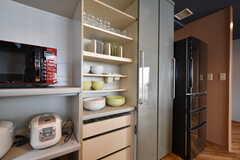 食器棚の様子。(2016-06-30,共用部,KITCHEN,3F)