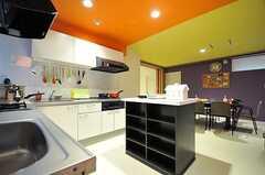 キッチンの様子2。(2012-11-26,共用部,KITCHEN,2F)