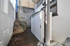 物置の様子。各部屋ごとにスペースが配分されています。(2012-10-01,周辺環境,ENTRANCE,1F)