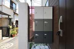 ポストは各部屋ごとに用意されています。(2013-07-09,周辺環境,ENTRANCE,1F)