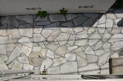 窓の下は駐輪場です。(205号室)(2013-07-09,専有部,ROOM,2F)