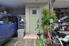 シェアハウスの正面玄関。(2014-05-21,周辺環境,ENTRANCE,1F)