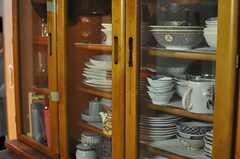 バリエーション豊かに揃えられた食器。(2014-05-21,共用部,KITCHEN,2F)